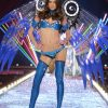 Victoria's Secret Fashion Show 2003 – Runway – 1 Sexy Super Heroines – Michelle Alves