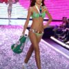 Miranda Kerr – 4 PINK – Victoria's Secret Fashion Show 2006 [x 25]