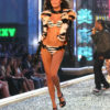 Isabeli Fontana – 1 Blade Runner – Victoria's Secret Fashion Show 2007 [x 13]