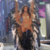 Izabel Goulart – 1 Blade Runner – Victoria's Secret Fashion Show 2007 [x 27]